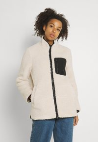 Vero Moda - VMANDREA JACKET - Winter jacket - birch/black - 0