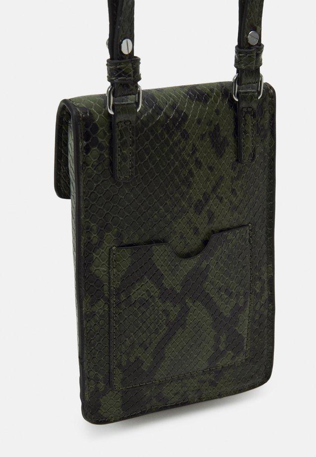 SELFIE PHONECASE - Across body bag - khaki