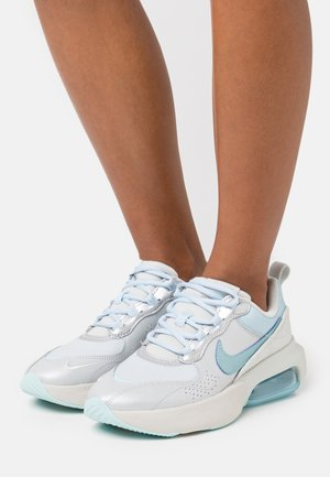 AIR MAX VERONA - Sneaker low - metallic platnum/glacier ice