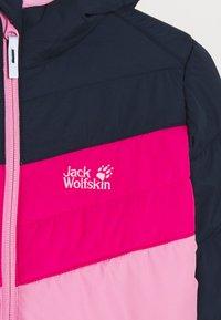 Jack Wolfskin - THREE HILLS UNISEX - Zimní bunda - brilliant rose - 3