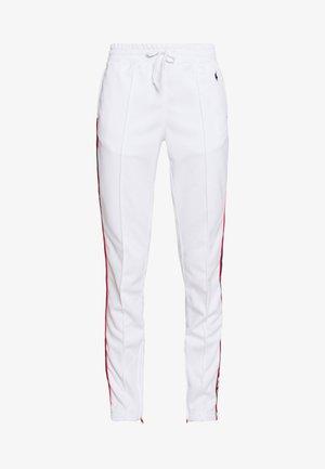 TRICOT - Teplákové kalhoty - white