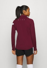 Nike Performance - DRY - Funktionsshirt - dark beetroot/white - 2