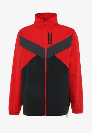 JACKET - Training jacket - red