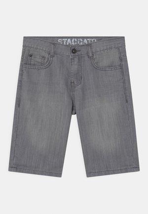 BERMUDAS - Jeans Short / cowboy shorts - light grey denim