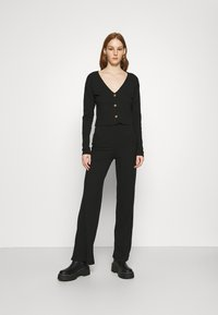 Nly by Nelly - BUTTON CARDIGAN SET - Cardigan - black - 0