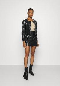 Who What Wear - VEGAN CROC COLLARLESS JACKET - Faux leather jacket - black - 1