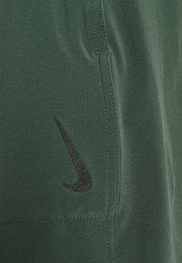Nike Performance - SHORT - Pantaloncini sportivi - galactic jade - 6