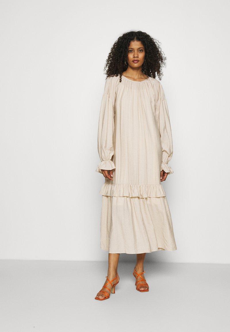 Résumé - DAMARA DRESS - Day dress - oat