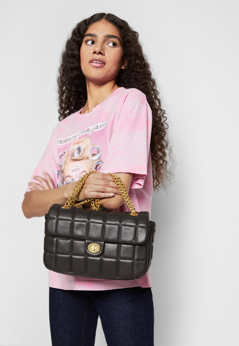 Versace Jeans Couture - QUILTED CROSSBODY - Across body bag - nero