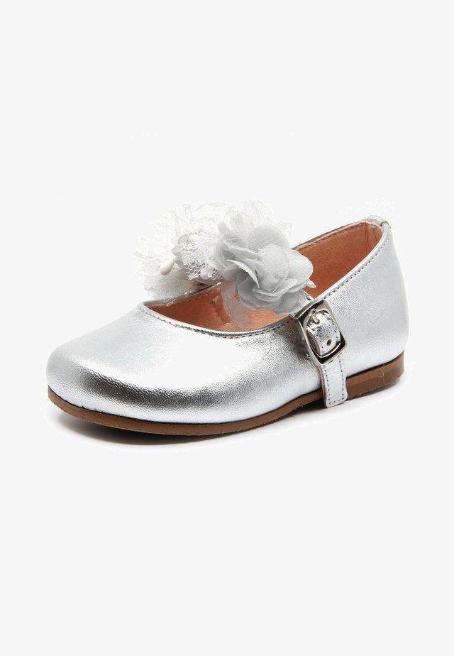 Ballerine con cinturino - silver