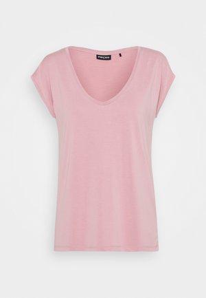 PCKAMALA TEE - Basic T-shirt - zephyr