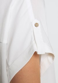 Freequent - Button-down blouse - brilliant white - 4