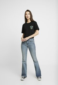 Merchcode - LADIES HAWAIIAN SURFER TEE - T-shirt print - black - 1