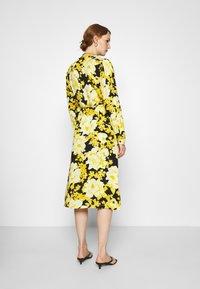 Soft Rebels - SRROSANNA MIDI DRESS - Day dress - yellow - 2