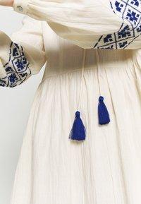YAS - YASMATHILDE DRESS - Day dress - eggnog/surf the web - 7