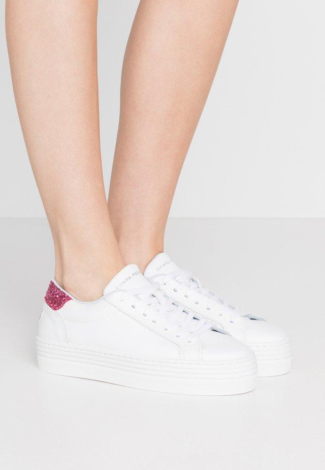 NAME - Baskets basses - white/pink