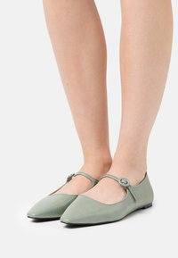 Who What Wear - MARJORY - Ankle strap ballet pumps - shadow - 0
