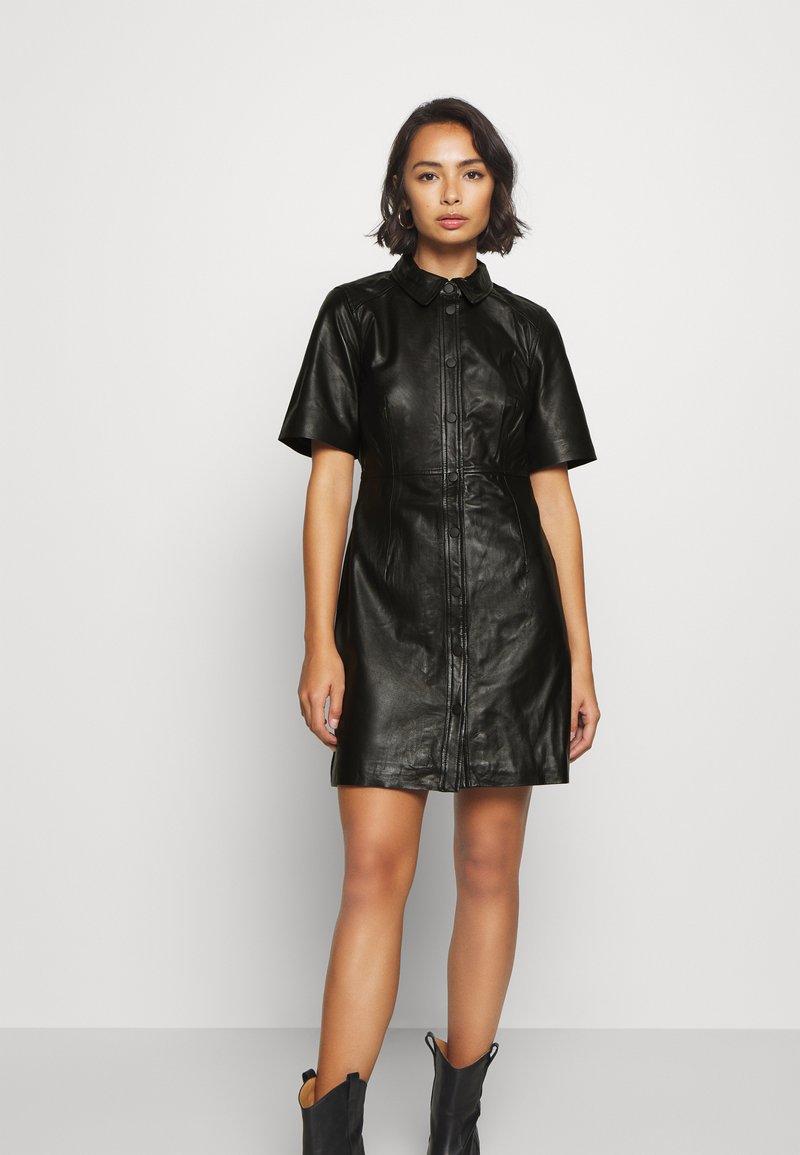 Object Petite - OBJPRIA L DRESS  - Denní šaty - black