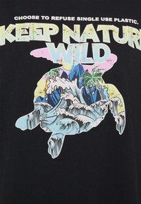 Mavi - KEEP NATURE PRINTED TEE - T-shirts med print - phantom - 2