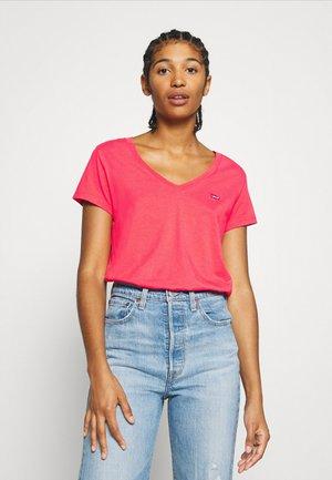 PERFECT V NECK - Basic T-shirt - poppy red