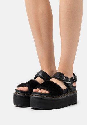 VOSS QUAD FLUFFY - Sandalias con plataforma - black