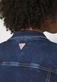 Guess - DELYA TRUCKER - Denim jacket - so chic - 3