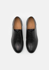 Emporio Armani - Šněrovací boty - black - 3