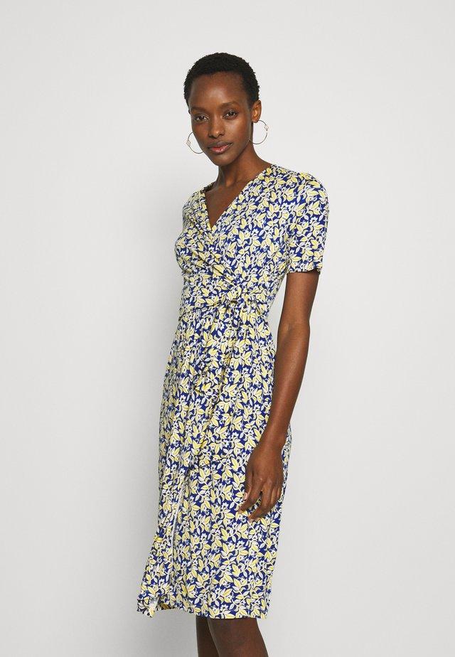 MIRTO - Jersey dress - ozean