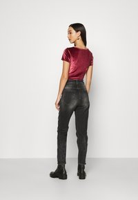 Hollister Co. - SCOOP BODYSUIT - Basic T-shirt - burgundy
