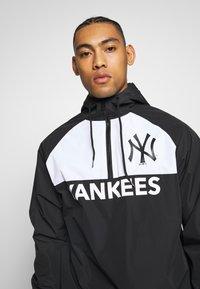 New Era - MLB WINBREAKER NEW YORK YANKEES - Veste coupe-vent - black - 3