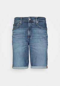 Calvin Klein Jeans - REGULAR - Farkkushortsit - denim medium - 4