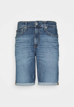 REGULAR - Jeans Shorts - denim medium