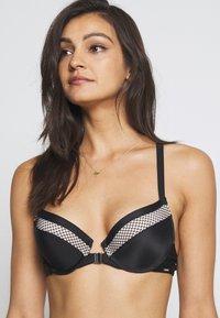 Boux Avenue - MADAGASCAR STRAPPY BACK LADDER TRIM SINGLE BOOST - Push-up bra - black - 4
