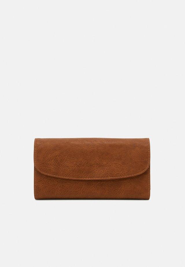 HEIDE - Wallet - caramel