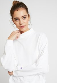 Champion Reverse Weave - BATWING SLEEVES CREWNECK - Long sleeved top - white - 3