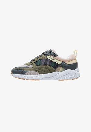 Sneakers laag - range