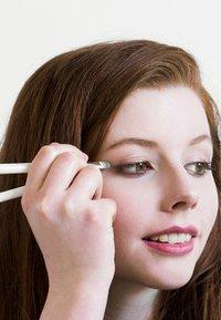 Ere Perez - ECO VEGAN SMUDGE & SHADE BRUSH - Eyeshadow brush - - - 4