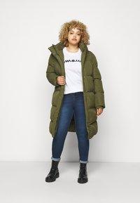 CAPSULE by Simply Be - LONG PADDED DUVET COAT - Classic coat - khaki - 1
