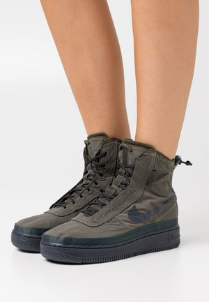 AIR FORCE 1 - Sneakers high - cargo khaki/off noir/seaweed