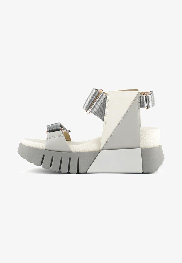 Sandalen met sleehak - composite