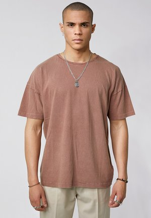 ARNE VINTAGE - Basic T-shirt - vintage mahogany