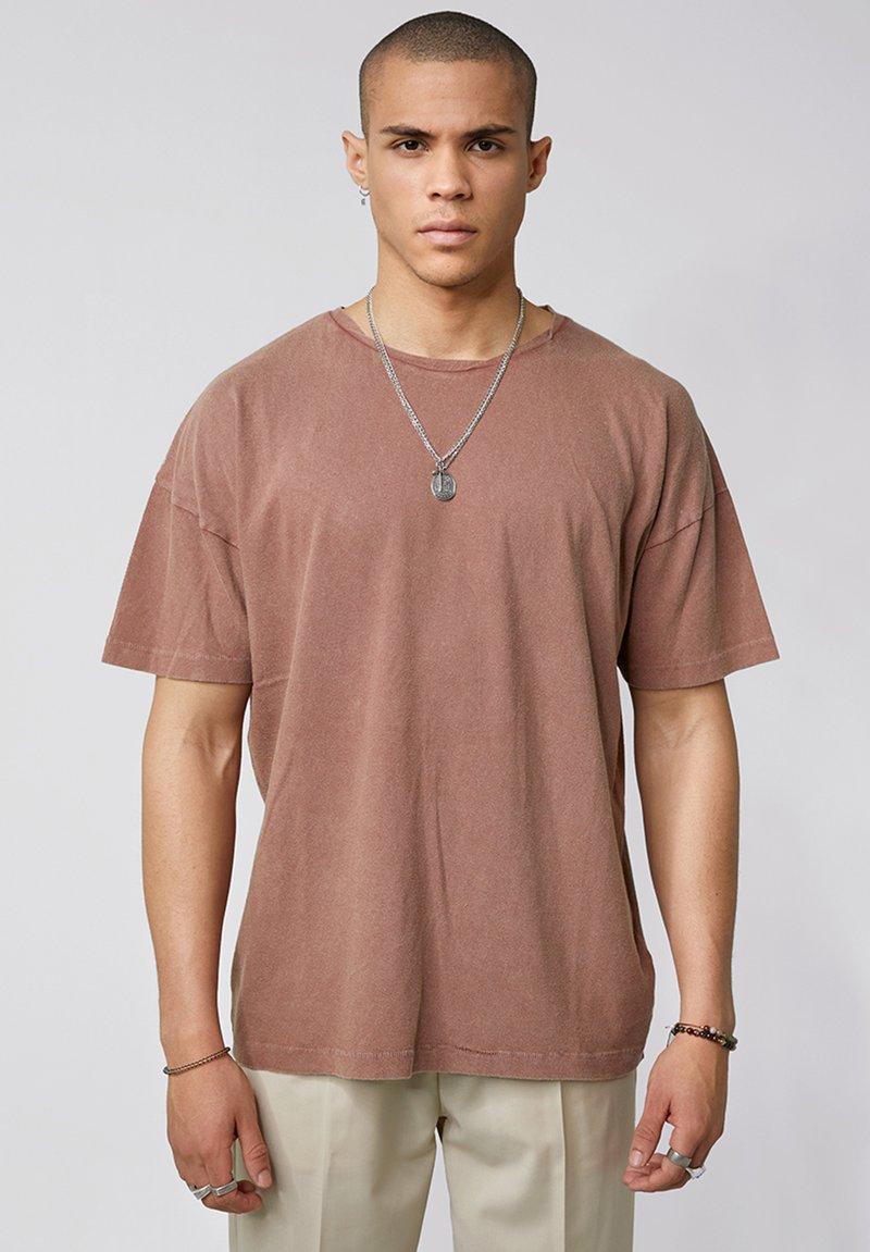 Tigha - ARNE VINTAGE - Basic T-shirt - vintage mahogany