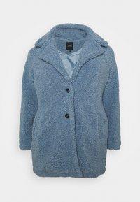 CAPSULE by Simply Be - TEDDY COAT - Classic coat - dusky blue - 3