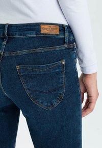 Cross Jeans - ROSE - Straight leg jeans - dark-used - 4