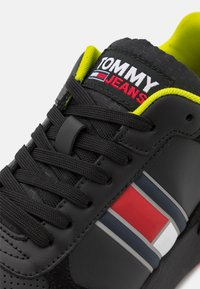 Tommy Jeans - MODERN RUNNER PERF  - Trainers - black - 5