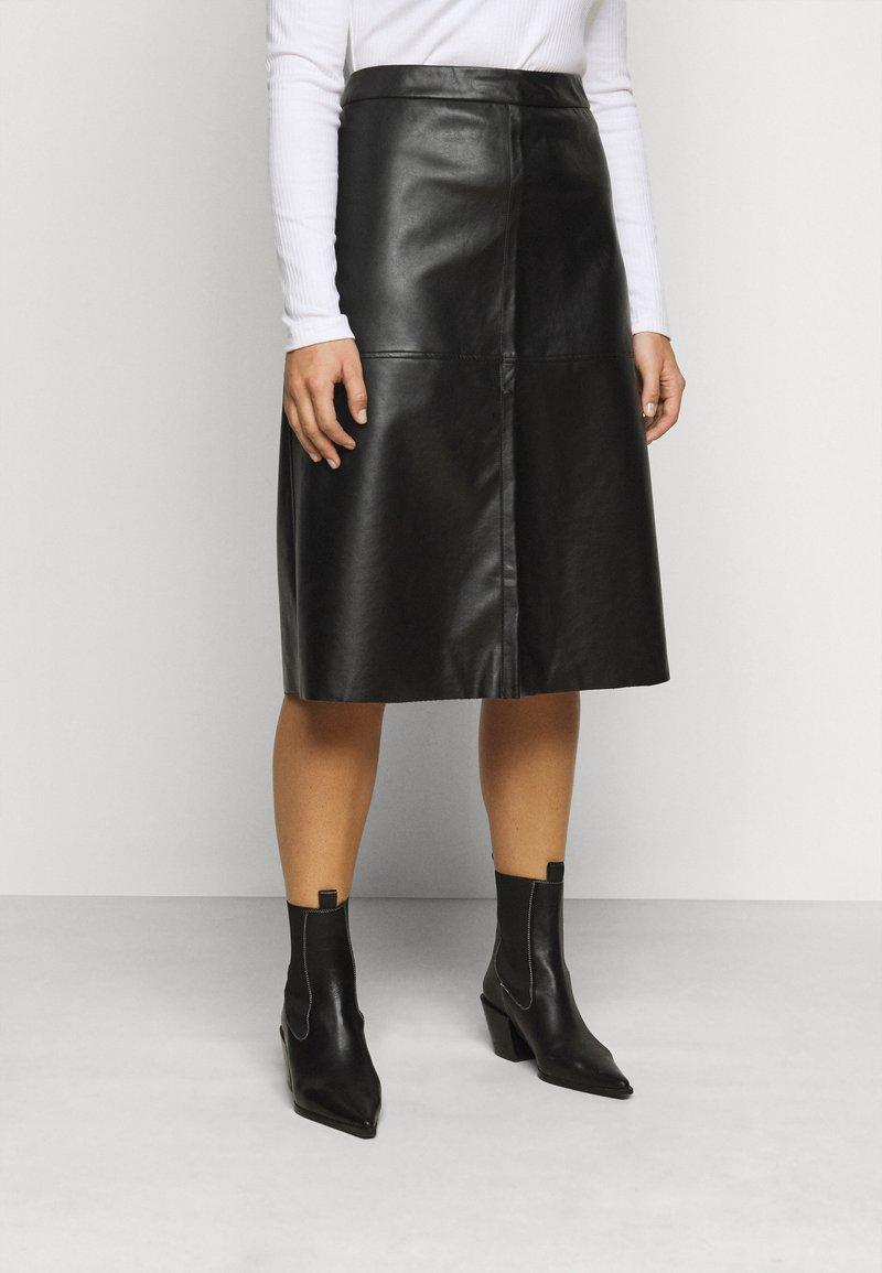 Pieces Curve - PCSURIANNA MIDI SKIRT CURVE - A-line skirt - black