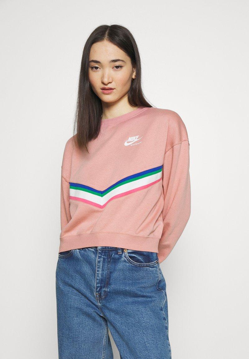 Nike Sportswear - Sweatshirt - rust pink/white