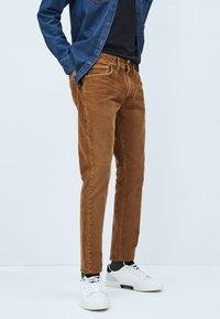 Pepe Jeans - Straight leg jeans - marrón tan - 0