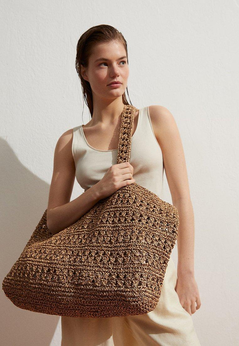 OYSHO - NATURAL  - Velká kabelka - beige