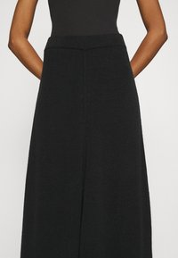 CLOSED - AGDA - Maxi skirt - black - 4